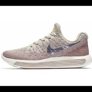 Nike LunarEpic Low Flyknit 2 Running Shoes Pink